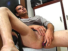 Gay dude likes the feeling of a dildo in his tight asshole