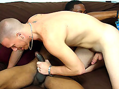 2 straight boys get down and dirty with each other
