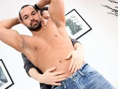 Finally I got to suck my straight friend Alexandre's cock! I've known this gorgeous athlete for more than a year now and he's done some
