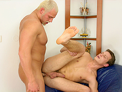 A car repair boy receives an anal hammering for repairing a stud's hot ride.